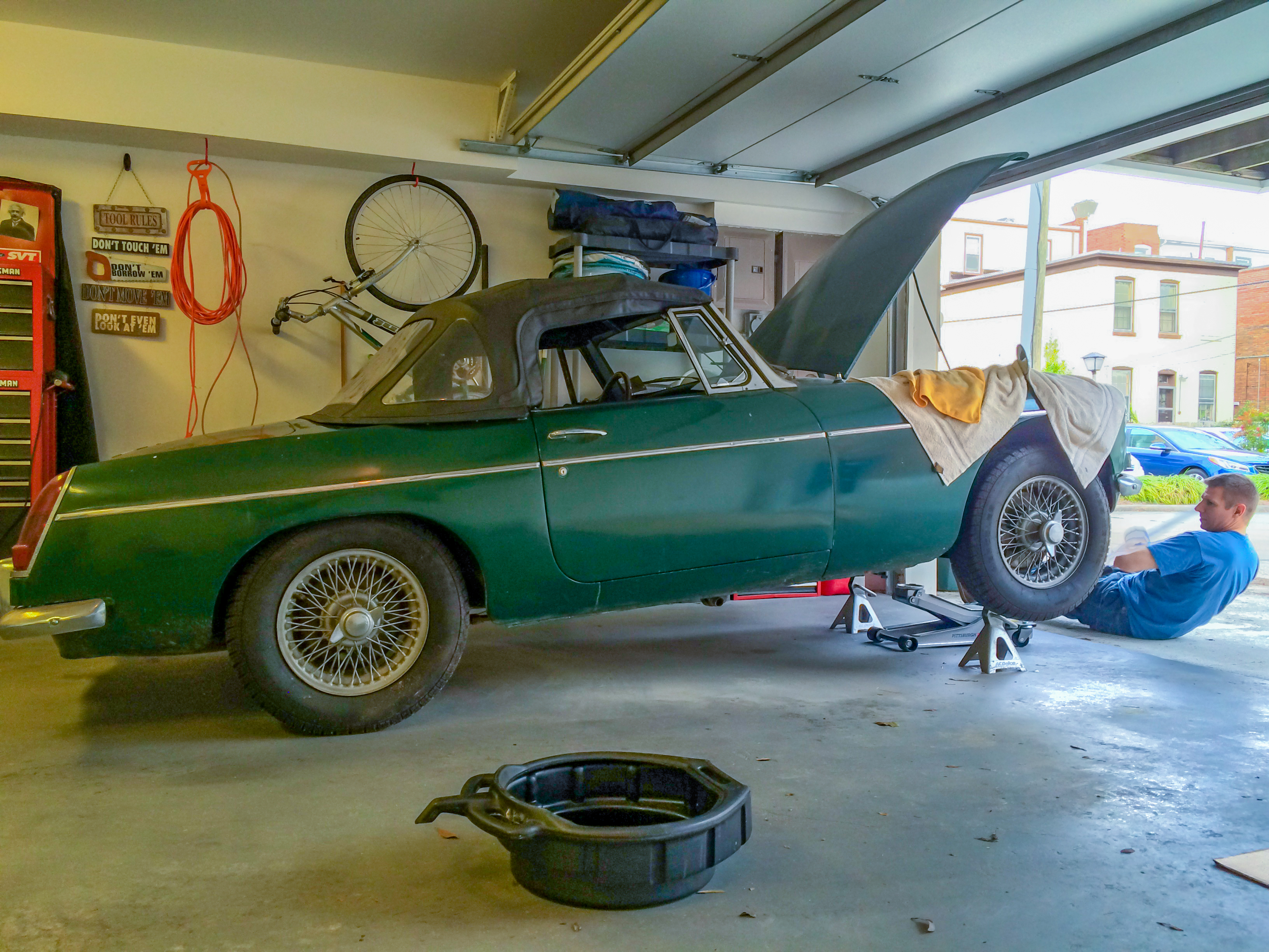 Restoring My Inheritance: Dad's '67 MGB Roadster! | MBsees
